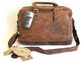 Hunter Leather Travel Bag. Adjustable Shoulder Strap. Style: 1822.